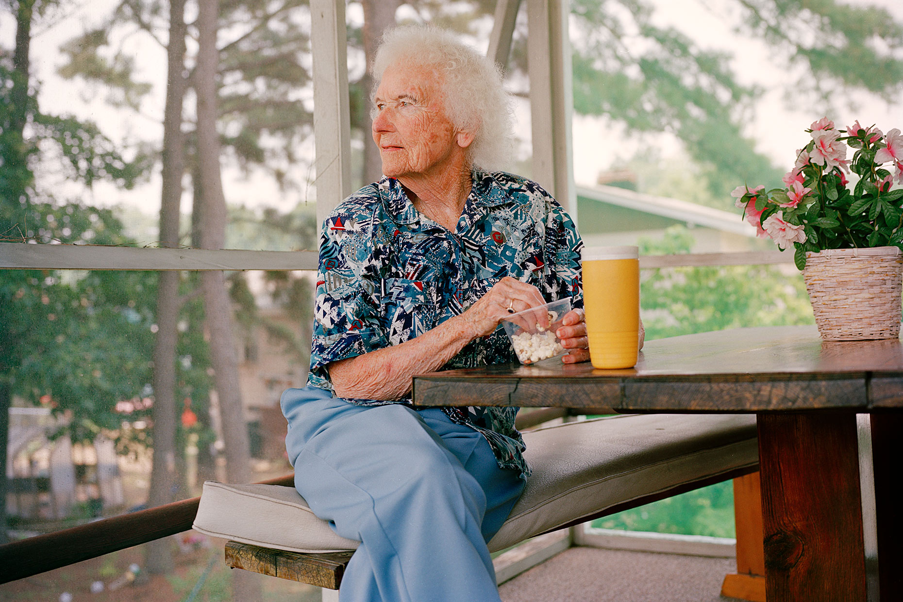 29NEW_PORTFOLIO_107Granny_popcorn_RETOUCHED_35mm_PROC