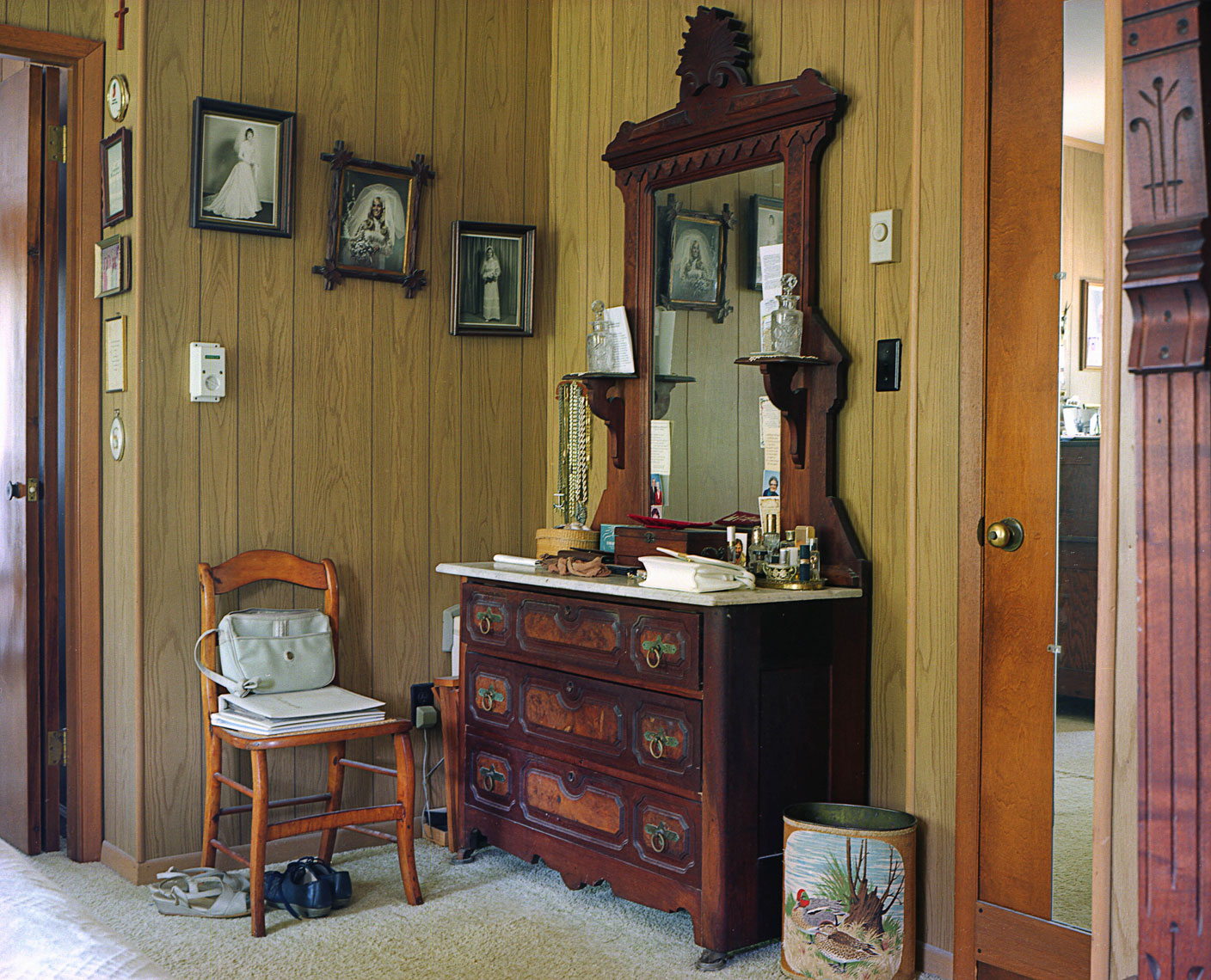 Granny_bedroom_dresser